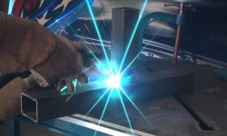 Manual selection of protective gas in MIG welding